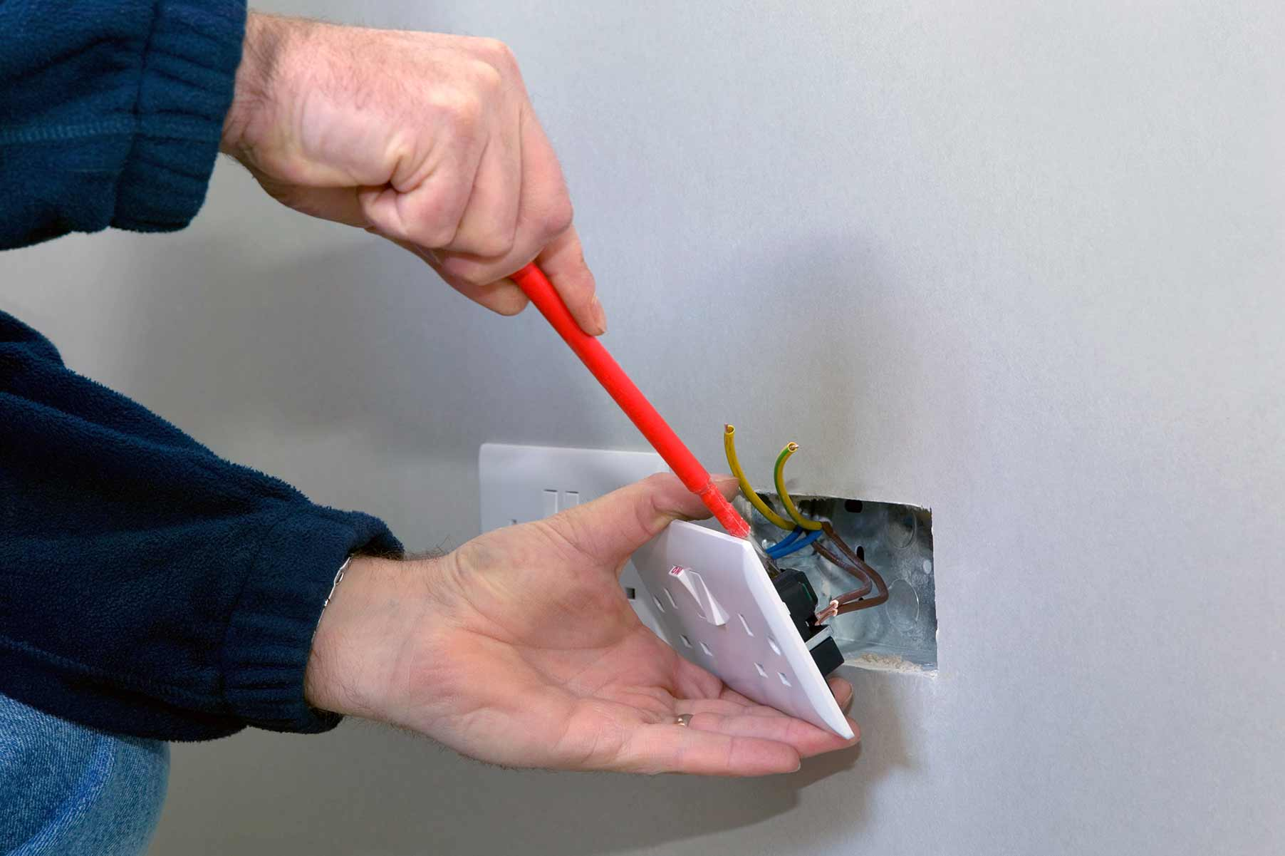 Our electricians can install plug sockets for domestic and commercial proeprties in Wickford and the local area.